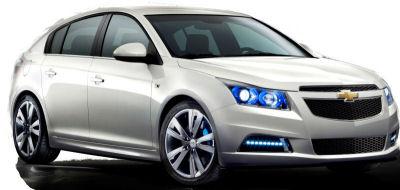 Présentation de la version 5 portes de la nouvelle Chevrolet Cruze. Cette Chevrolet Cruze est construite sur la même plate-forme que l'Opel Astra (génération 2011). Un véhicule intéressant, à prix contenu..