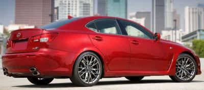Présentation de la version restylée de la Lexus IS-F de 2011..